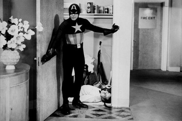 Кадр изсериала «Капитан Америка» (1944)