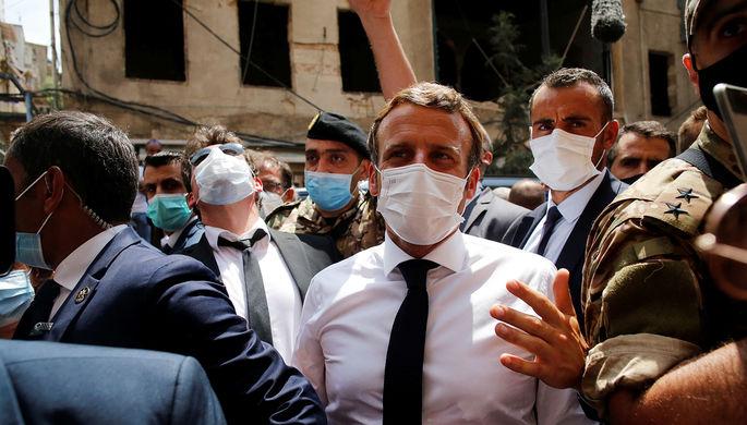 Эммануэль Макрон во время визита в Бейрут, 7 августа 2020 года