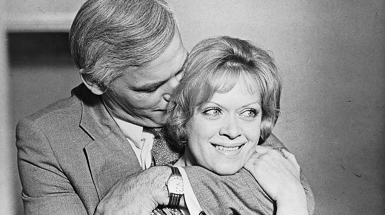 Алиса Фрейндлих и Василий Лановой в кадре из художественного фильма «Анна и командор», 1974 год