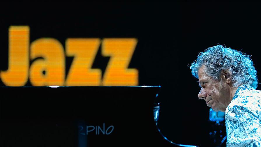 Чик Кориа во время концерта в Перудже, Италия, 2015 год