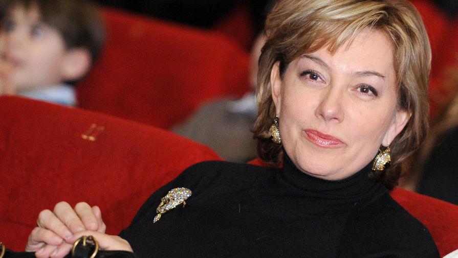 Телеведущая Арина Шарапова на премьере фильма режиссера «Выкрутасы» в Москве, 2011 год