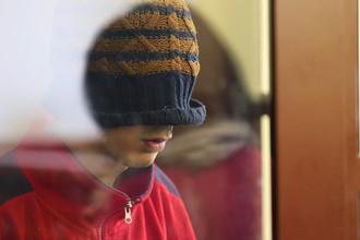 Подозреваемый во время заседания в Невском районном суде Санкт-Петербурга после теракта в метро, 7 апреля 2017 года
