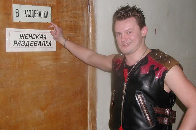 Солист группы «Король и Шут» Андрей Князев в Хабаровске, 2002 год