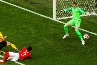 Вратарь сборной Англии Джордан Пикфорд пропускает гол в матче за третье место чемпионата мира по футболу- 2018 между сборными командами Бельгии и Англии