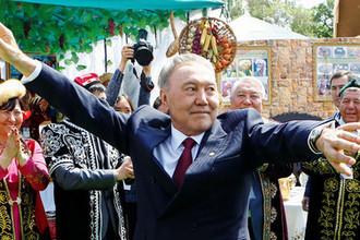 Президент Казахстана Нурсултан Назарбаев в Алма-Ате во время Праздника единства народа Казахстана, 2016 год