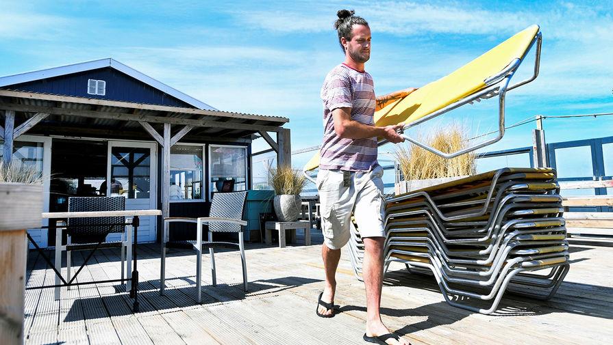Без дискотек и под присмотром: как изменится пляжный отдых