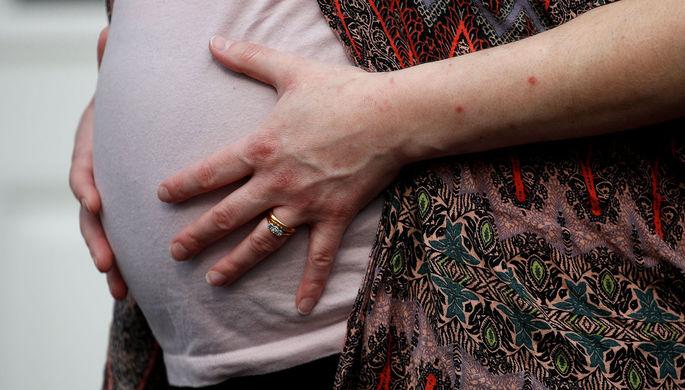 Страх перед пандемией: как стресс роженицы вредит плоду