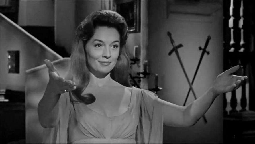 Барбара Шелли в фильме «Дракула: Князь Тьмы» (1966)