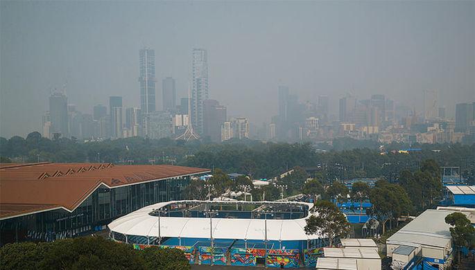 Смог над кортами Australian Open в Мельбурне