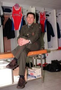 Станислав Еремин в бытность еще главным тренером ЦСКА. 1999 год