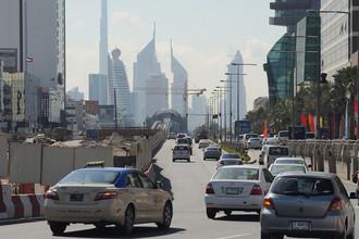 Дорожное движение на одной из улиц Дубая