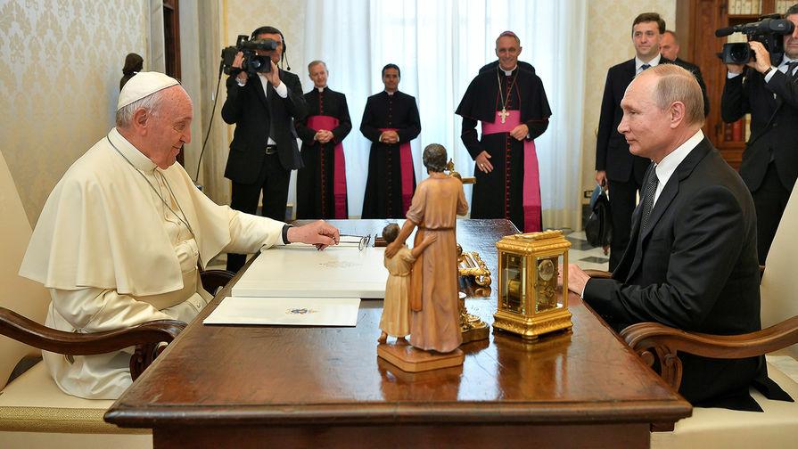 Что объединяет Путина и Папу, рассказала FAZ