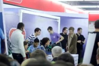 Халк и Витсель на автограф-сессии