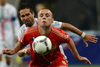 Денис Глушаков сменил красно-зеленую форму на красно-белую