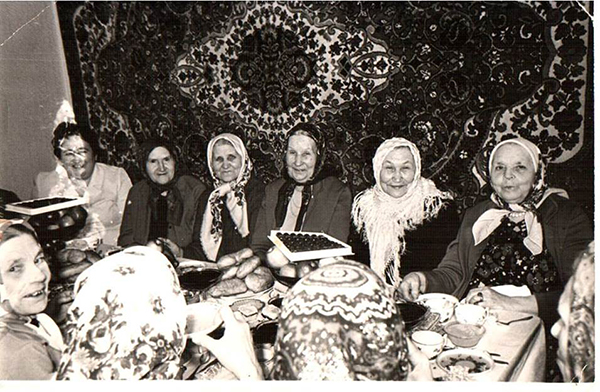 Женский меджлис, 1976 год — типичная картинка советского (точнее, татарского) ислама
