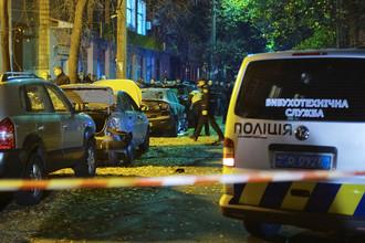 Следственные действия на месте взрыва автомобиля в Киеве, 25 октября 2017 года
