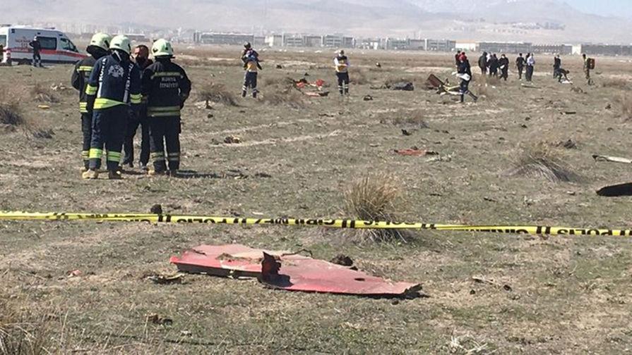 При падении военного самолета в Турции погиб пилот