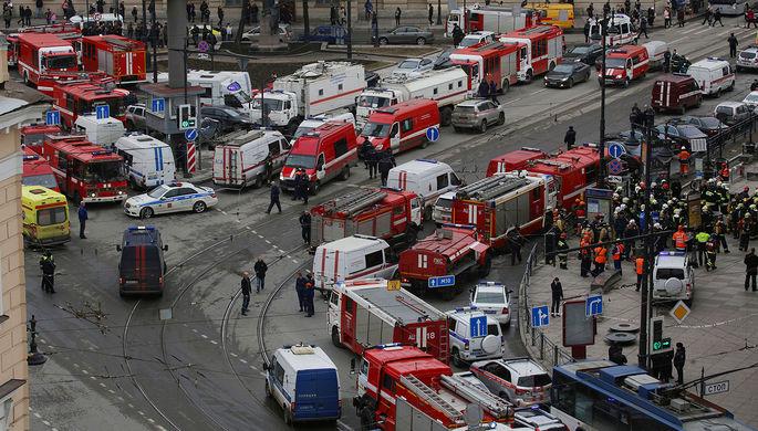 У станции метро «Технологический институт» в Санкт-Петербурге, где произошел взрыв. 3 апреля 2017 года
