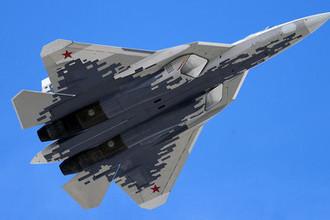 Многофункциональный истребитель пятого поколения Су-57 (Т-50 или ПАК ФА) на военном параде, посвященном 73-й годовщине Победы в Великой Отечественной войне, 9 мая 2018 года