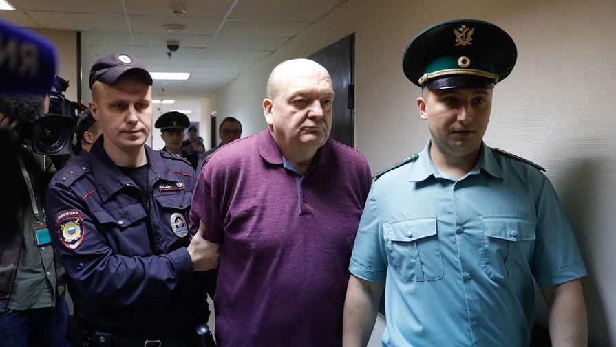 Экс-главу ФСИН Реймера досрочно выпустили из колонии