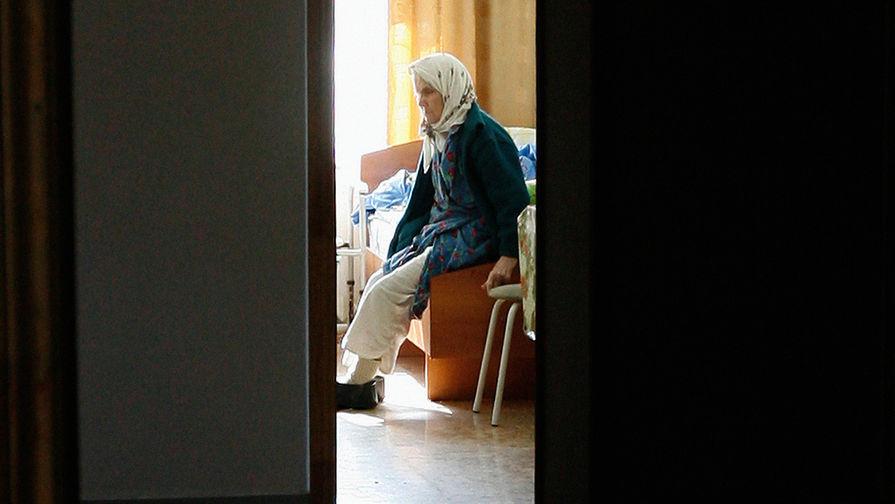 Ели из ведер: в Челябинске завели уголовное дело на дом престарелых
