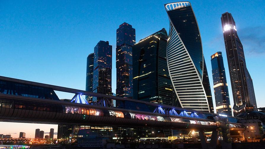 В Москве могут появиться зоны для привитых от коронавируса