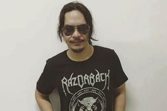 Барабанщик рок-группы Razorback Брайан Веласко