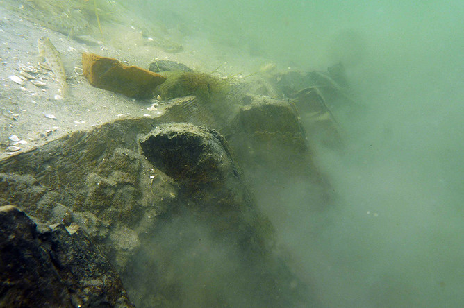 Борт затонувшего античного корабля