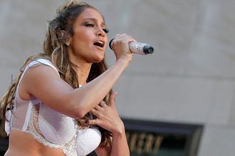 Дженнифер Лопес выступает на шоу «Today» телеканала NBC в Нью-Йорке, 2016 год
