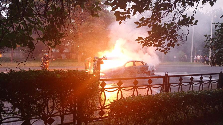 В центре Москвы загорелось такси