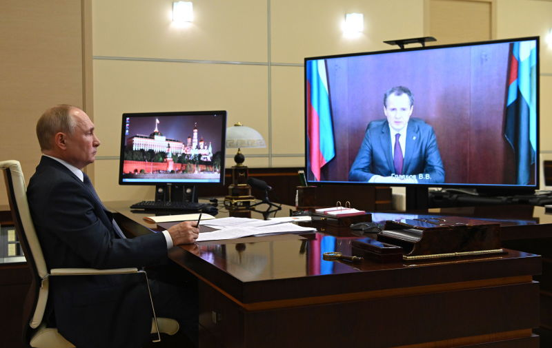 Путин позитивно оценил работу Гладкова на посту врио белгородского губернатора