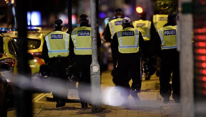 Полиция на месте инцидента в центре Лондона, 4 июня 2017 года