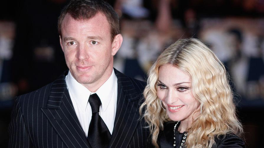 Гай Ричи и Мадонна. Официально развелись 21 ноября 2008 года после 7 лет супружеской жизни. В браке...