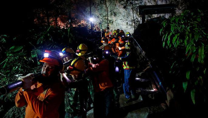 Операция по спасению детей из затопленной пещеры, Таиланд