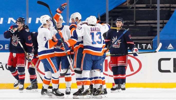Эпизод матча «Нью-Йорк Айлендерс» — «Нью-Йорк Рейнджерс»