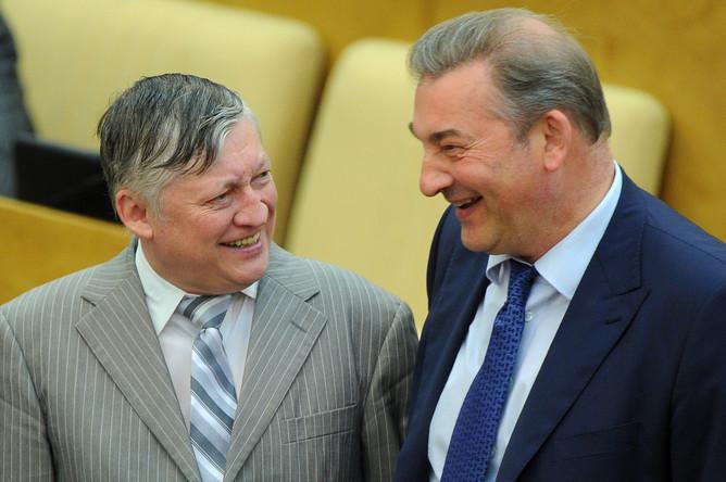 Депутаты Анатолий Карпов и Владислав Третьяк