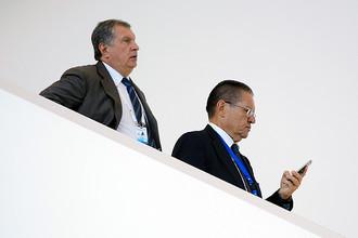 Глава ОАО «НК «Роснефть» Игорь Сечин и министр экономического развития России Алексей Улюкаев во время рабочей поездки президента России Владимира Путина в Баку, август 2016 года