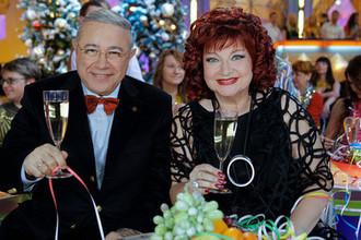 Евгений Петросян и Елена Степаненко на съемках новогодней передачи «Голубой огонек», 2009 год