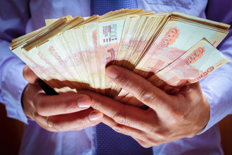 Россияне положились на валюту
