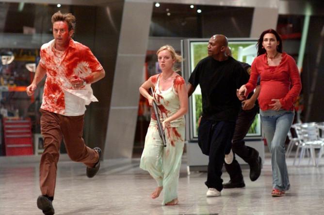 Кадр из фильма «Рассвет мертвецов» (2004)