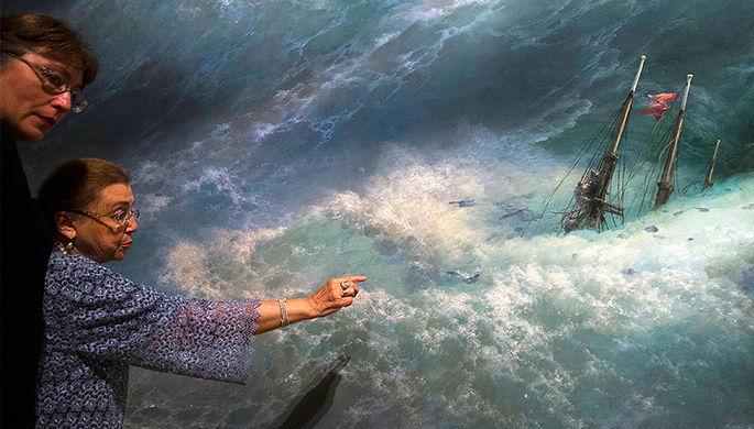 «Волна» Ивана Айвазовского на выставке в Третьяковской галерее, июль 2016 года