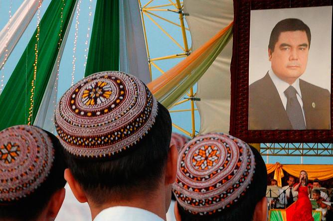 Мероприятие в честь 50-летия президента Туркмении Гурбангулы Бердымухамедова в Ашхабаде, 2007 год