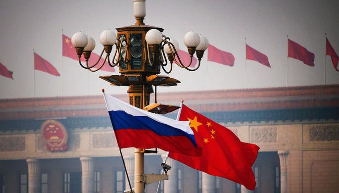 Вирусная стратегия: в чем Брюссель обвиняет Москву и Пекин