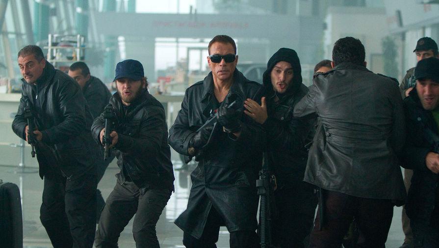 Кадр из картины «Неудержимые 2» (2012)
