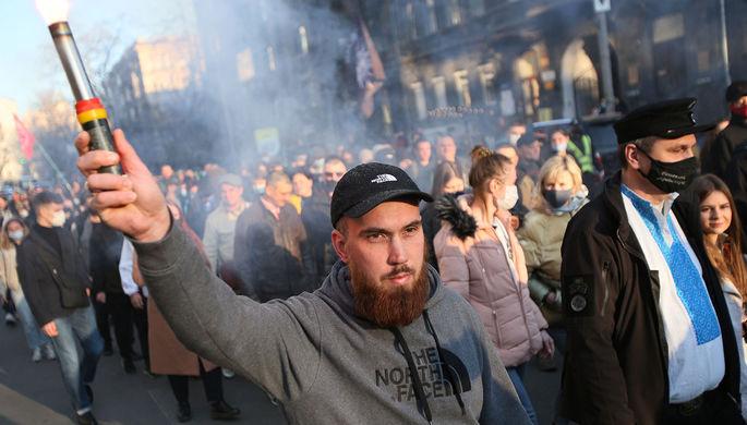 Участники «Марша вышиванок» в Киеве, 28 апреля 2021 года