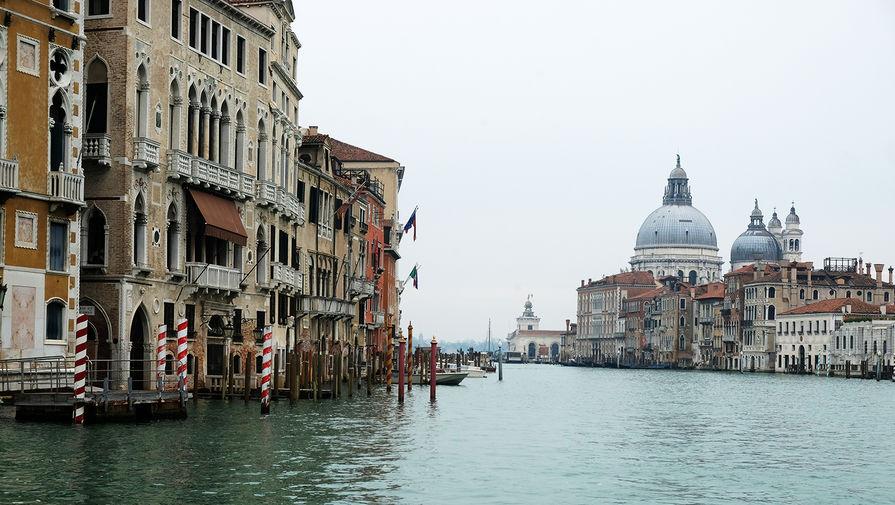 Италия запретила круизным лайнерам посещать центральную часть Венеции
