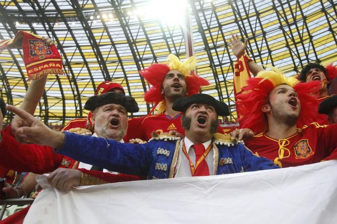 Испанские болельщики на арене в Гданьске