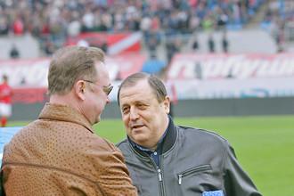 Степашин поздравляет с 60-летием ветерана футбола Михаила Гершковича. Апрель 2008 года