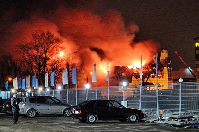 На месте пожара в боксерской школе в подмосковных Химках, 6 марта 2020 года