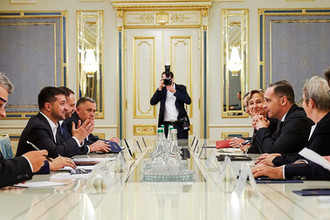 Президент Украины Владимир Зеленский и министр иностранных дел Германии Хайко Маас во время встречи в Киеве, 19 ноября 2019 года